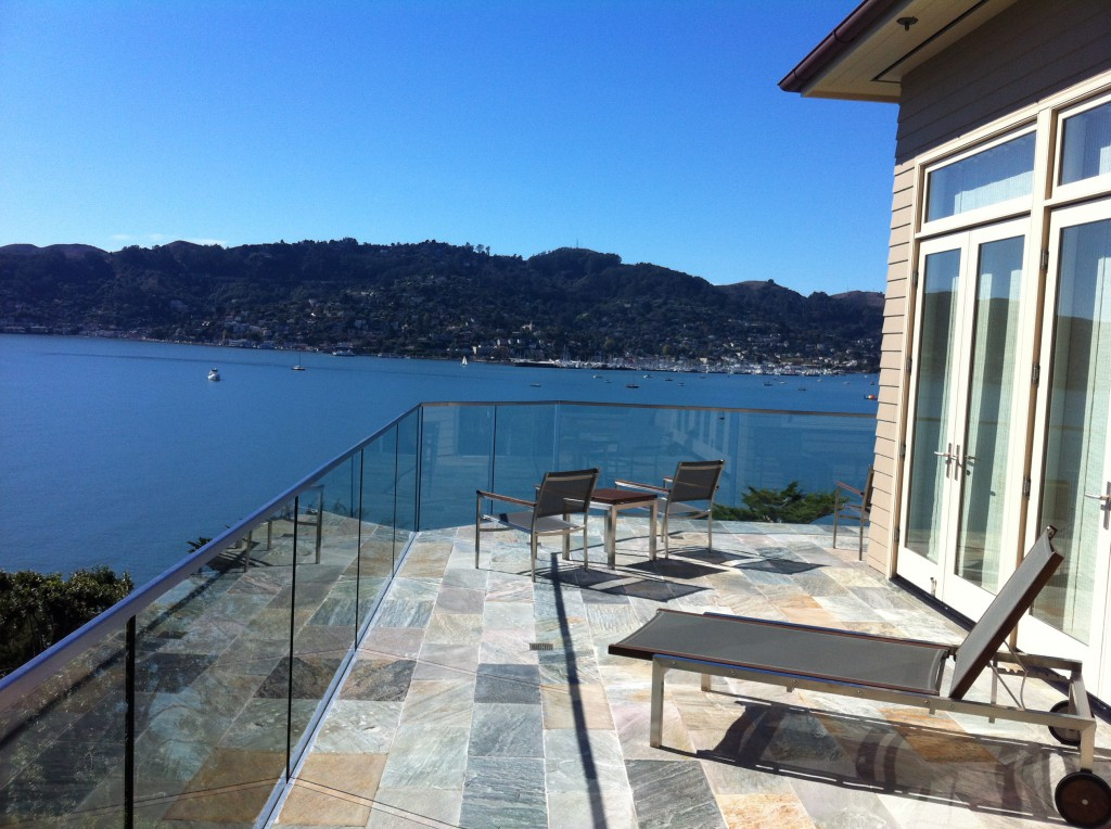 "1/2"" Glass Deck Railing with Guard Rail Cap"