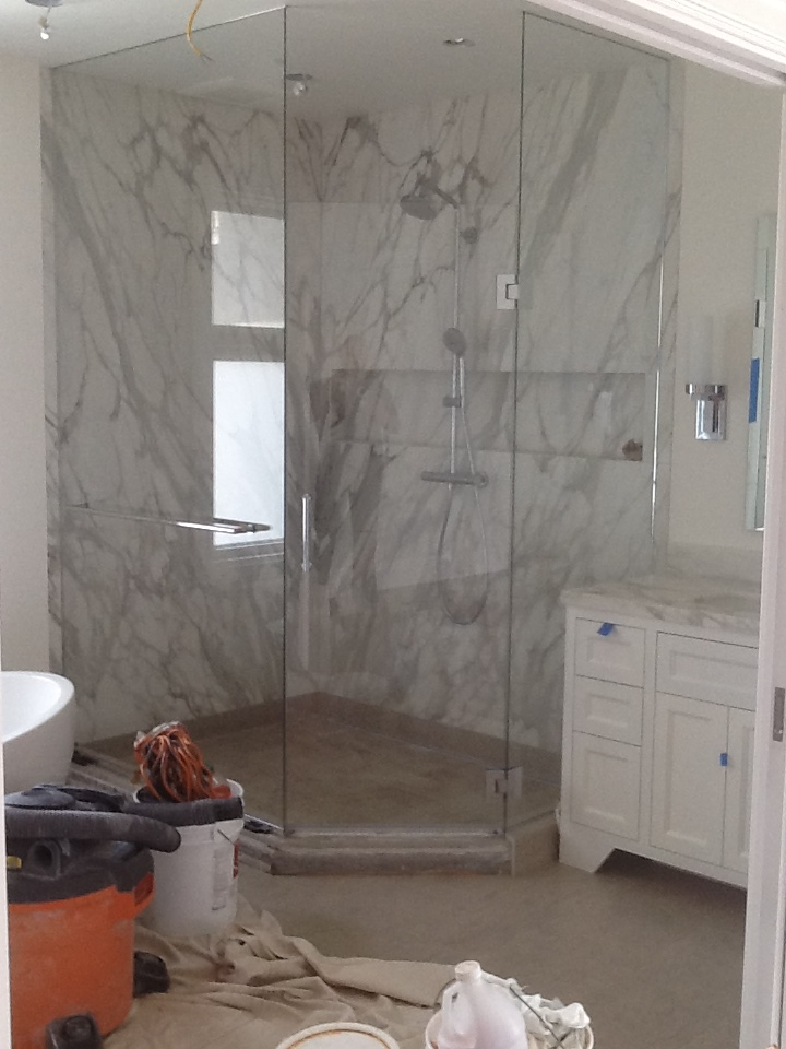 Starphire Glass used in a Shower Enclosure