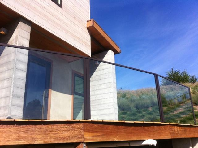 "Close up of a 1/2"" Glass Deck Railing"